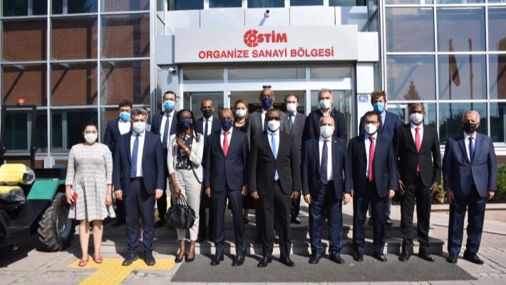 Ruandalı Bakan Sanayicileri Ülkesine Davet Etti